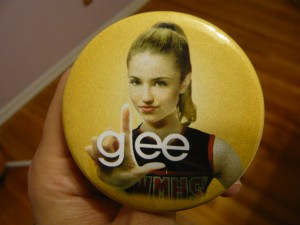 Pretty Buttoner: GLEE Custom Button