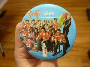 Pretty Buttoner: Custom GLEE Button