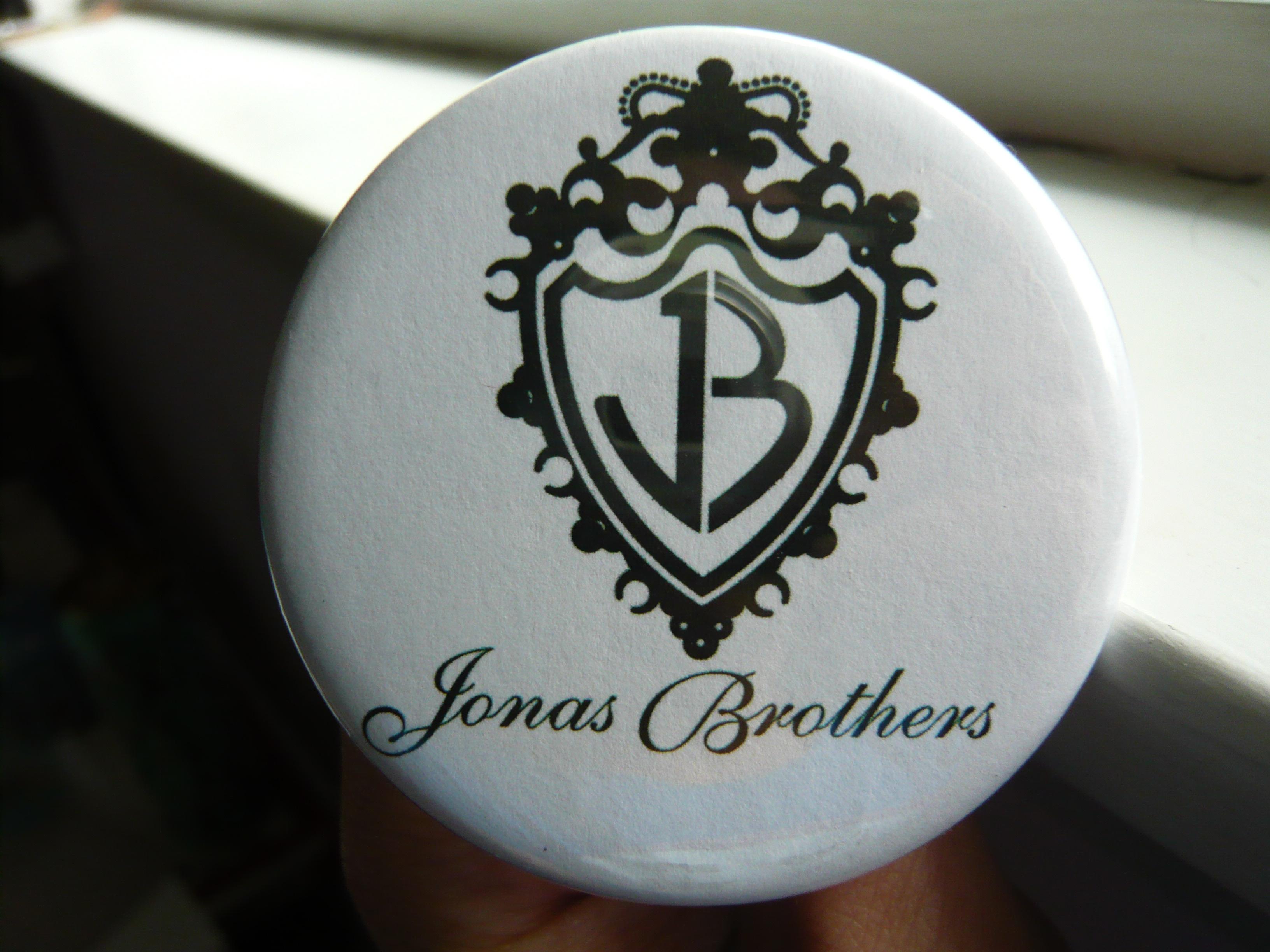 Music Pretty Buttoner Co