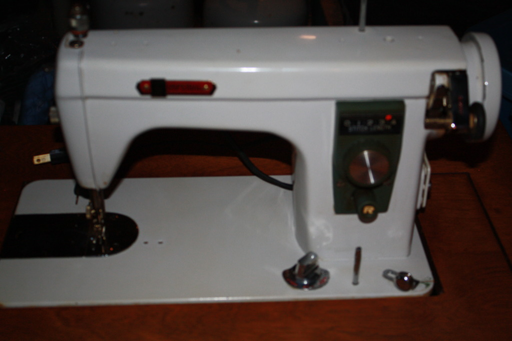 Imperial sewing machine advertised on CL, May 11, 2010, Edmonton, Alberta, by dino-goes-rawr@hotmail.com. The photo is very blurry.