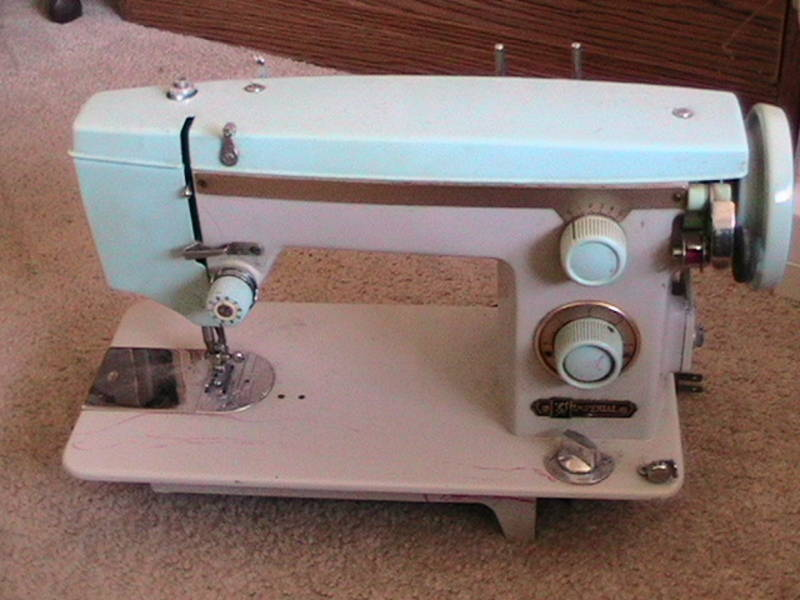 Imperial sewing machine Model 520 advertised on Kijiji, London, Ontario, Canada, April 23 2010