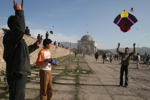Afghan Kite Flying in Afghanistan. Here in Canada do not use glass covered or metal kite line. They are illegal and dangerous.