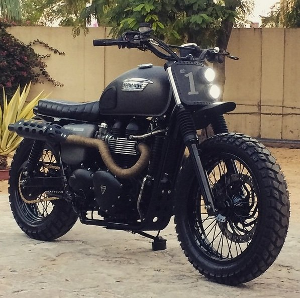 Rajputana Customs does a one-off Triumph Bonneville with asymmetric headlights. This seems to be more for minimalist style rather than safety. There is only one rear tail light.