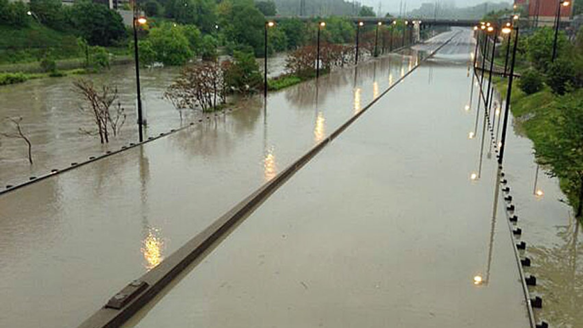 Toronto Don Valley Parkway flooding in 2013