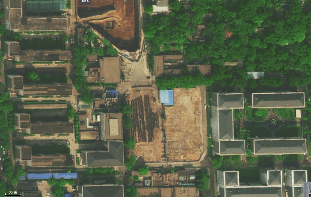 Baidu map, Beijing University, is accurate to the line map. The map has a lot more detail about local anemities than the Google Map