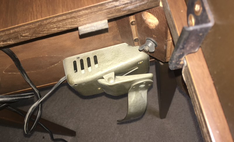 Imperial Sewing machine Model 171, underneath cabinet looking up, foot pedal. Photo 20 by ArnaudM
