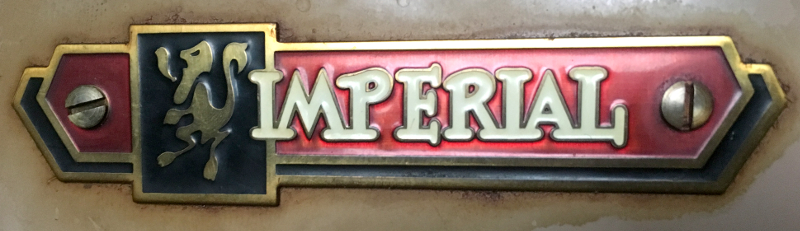 Imperial Sewing machine Model 171, Imperial Logo. Photo 34 by ArnaudM