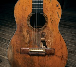 Willie Nelson's Martin guitar, Trigger